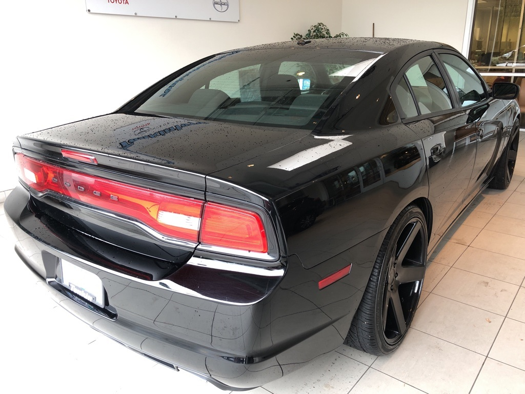 Pre-Owned 2013 Dodge Charger SXT