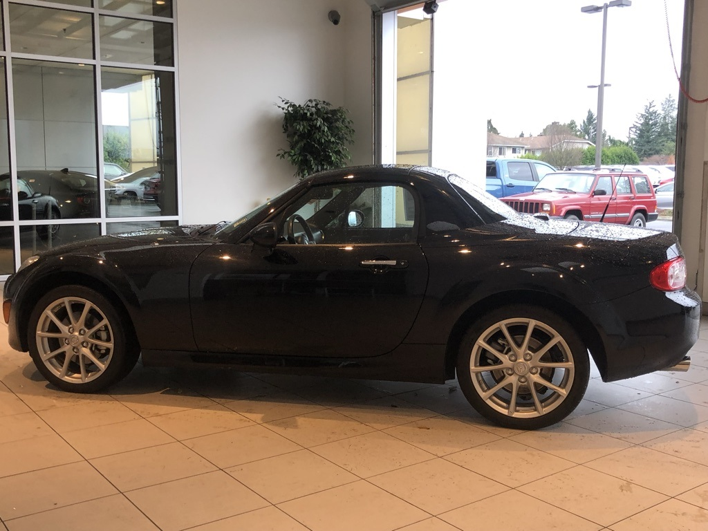 Pre-Owned 2011 Mazda Miata PRHT Grand Touring